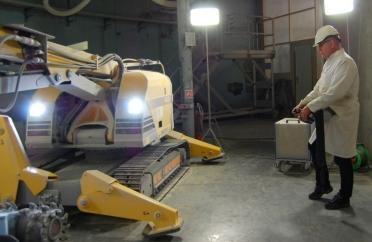 Nedbrydningsrobot Brokk 400 i DR3-reaktoren